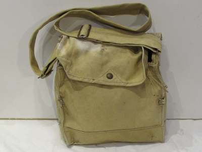 WW2 General Service Respirator (GSR) Mk.VII carrying bag (front).