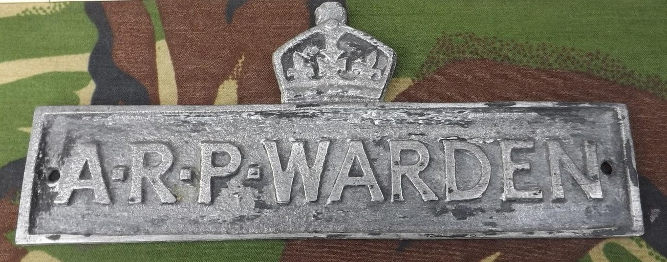 Fake WW2 crown and ARP Warden plaque wall sign