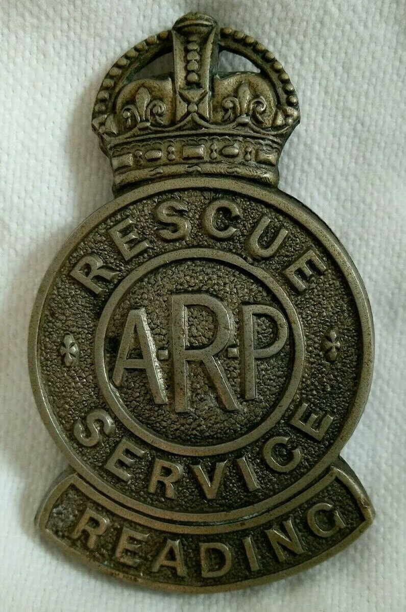 WW2 ARP Rescue Reading Cap Badge