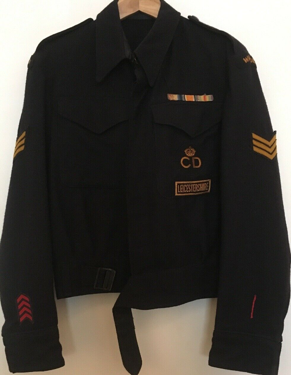 1942 Battledress Blouse With Insignia And Rare Wound Stripe